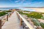Дървена пътека по дюните на плажа Бордейра