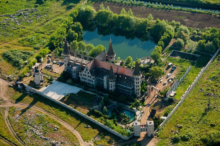 Замъкът в Равадиново от въздуха