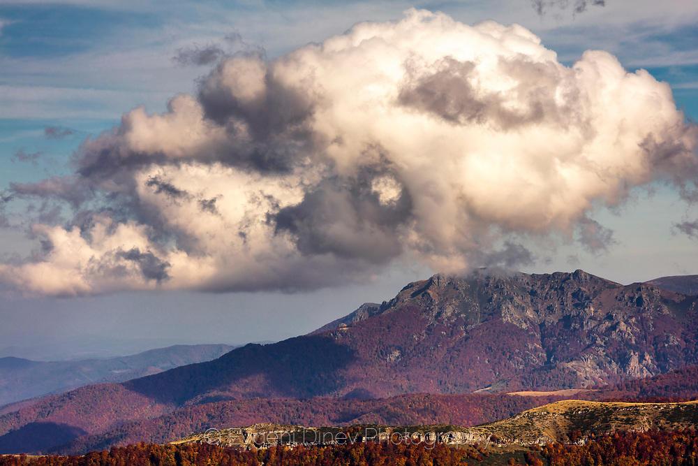 Облак над връх Марагидик