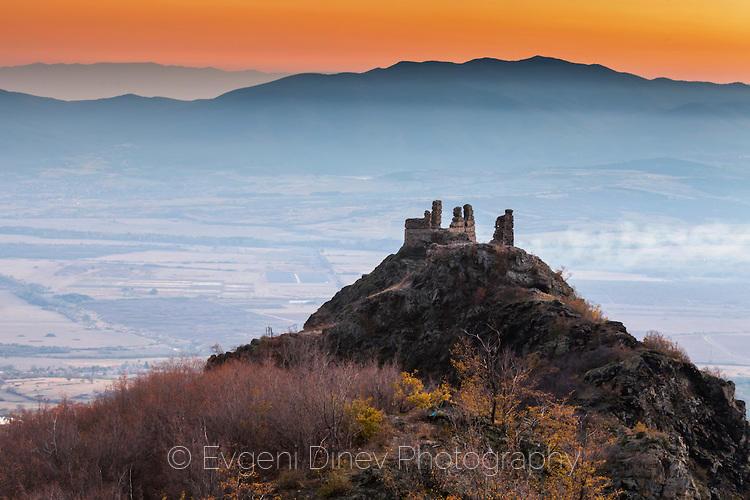 Старобългарска крепост