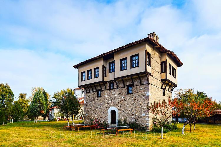 Старинна къща в Араповския манастир