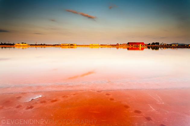 Атанасовско езере по залез
