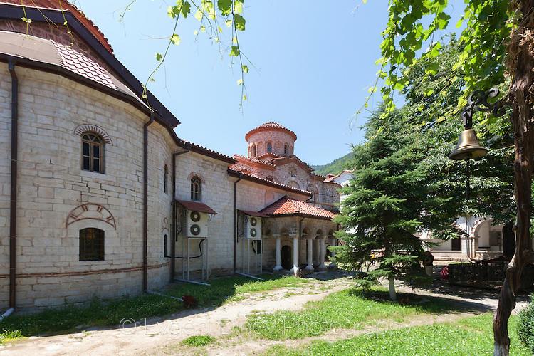 Двор на Бачковски манастир