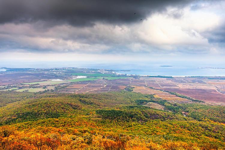 Изглед от Бакърлъка през есента