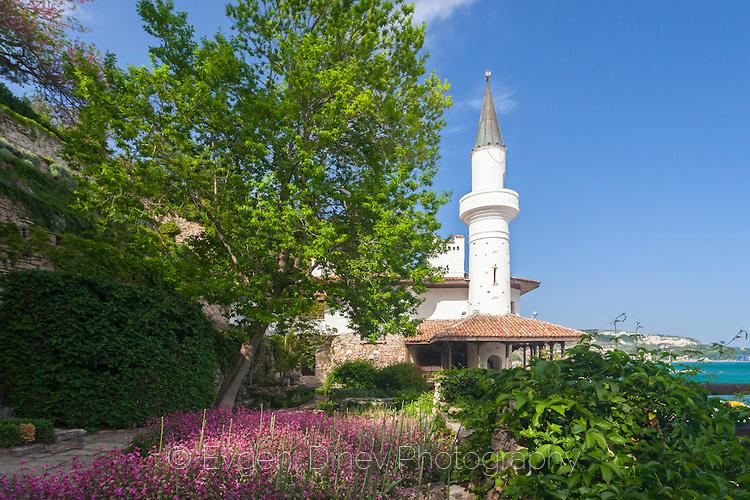 Двореца в Балчик през пролетта