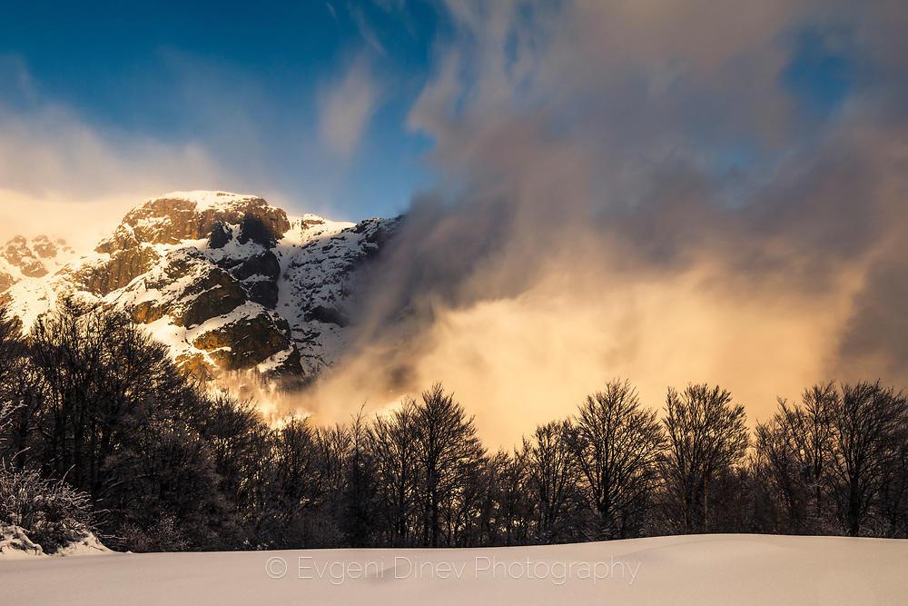 Вихър от облаци в Централен Балкан