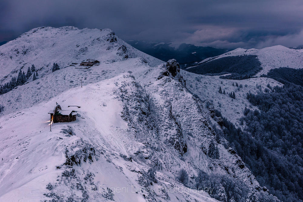 Мрачен зимен балкан