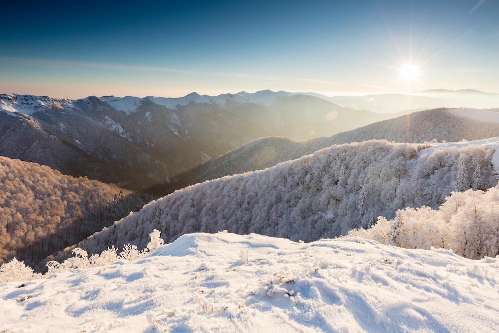 Стара Планина в бяла премяна