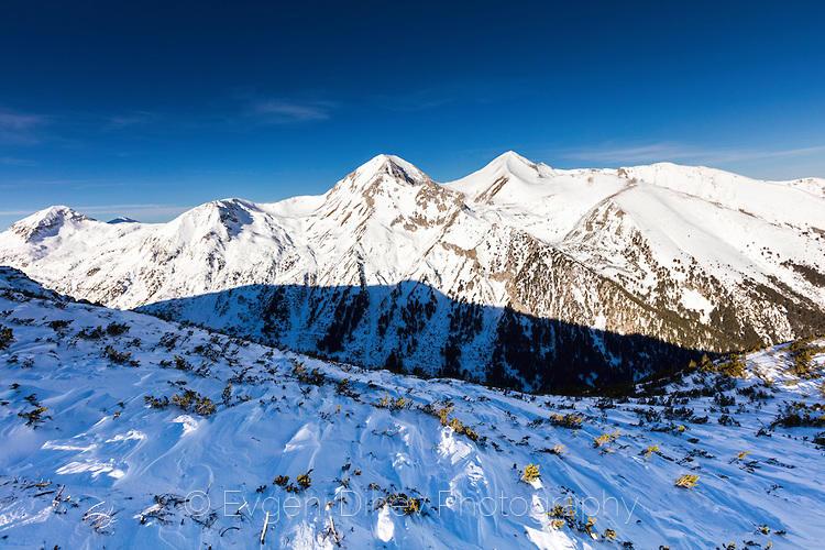 Зимен пейзаж в Пирин