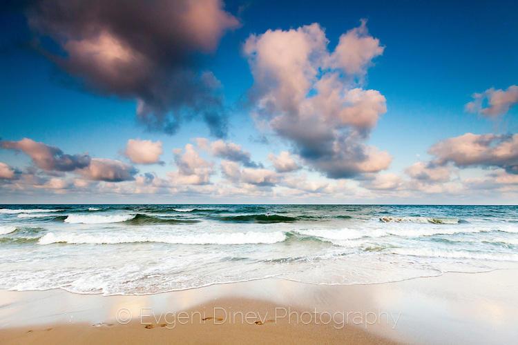 Лятно море