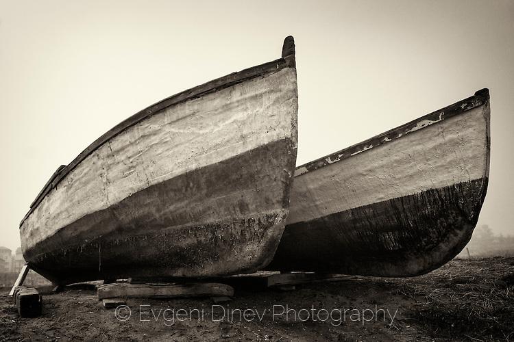 Две рибарски лодки