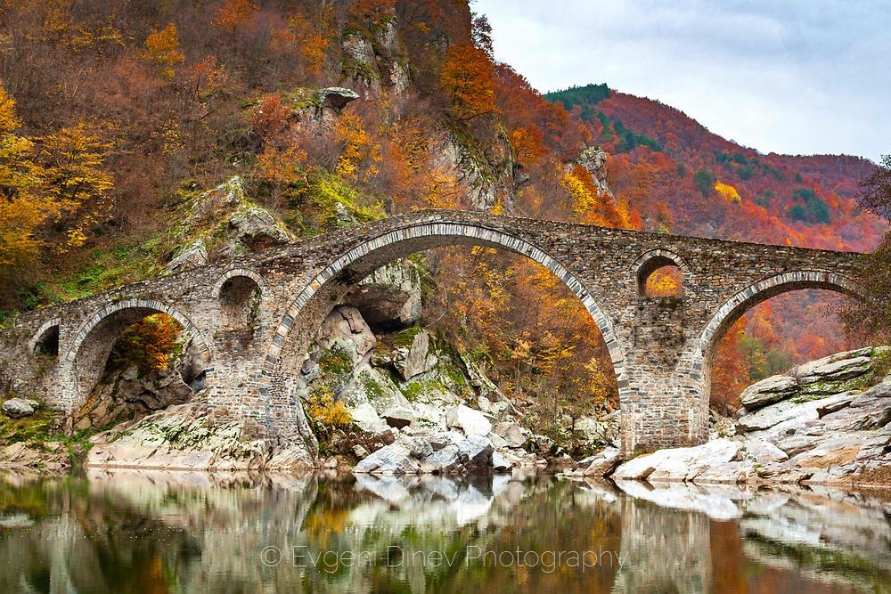 Есен на Дяволския мост