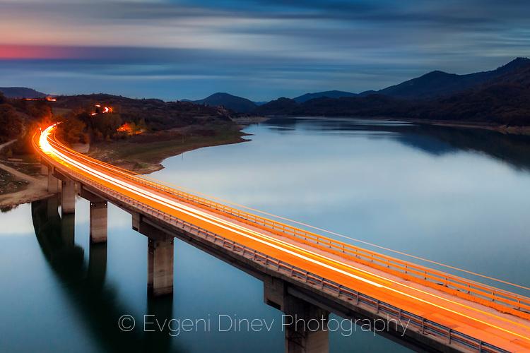 Пламтящият мост