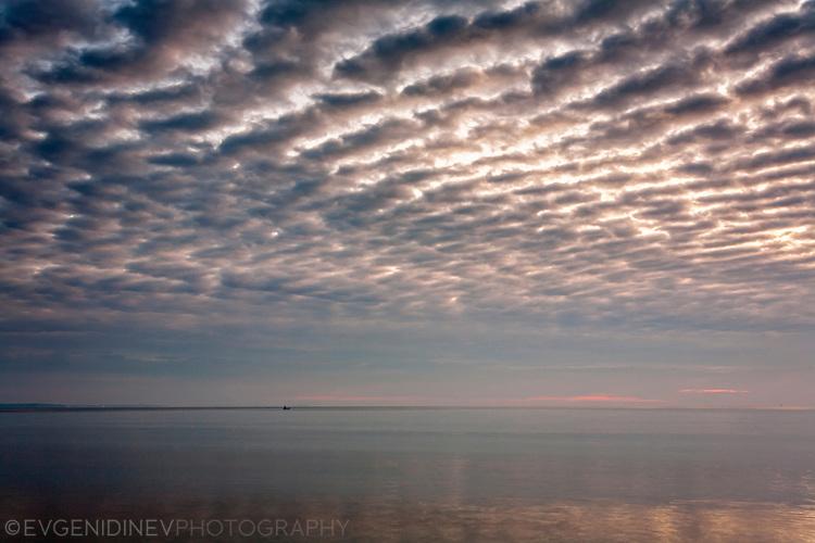 Морски пейзаж с облаци