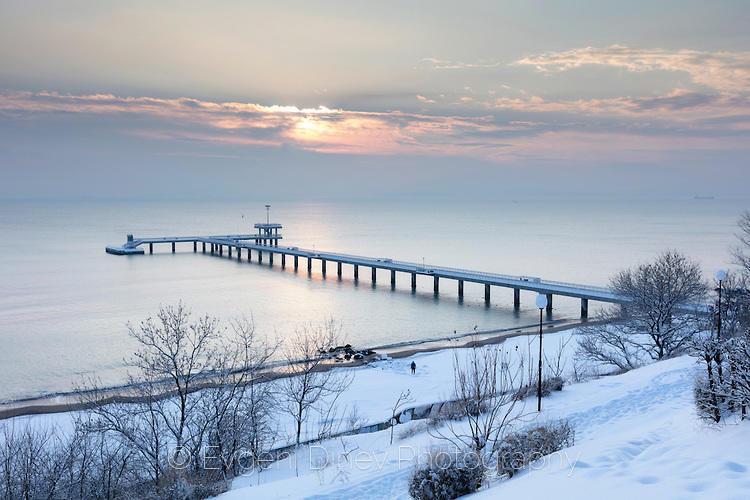 Снежен изглед от Бургаското крайбрежие