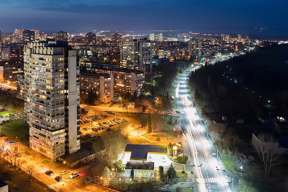 Над Бургас нощем