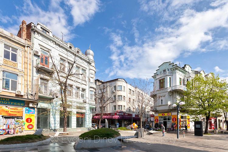 Улица Александровска в Бургас