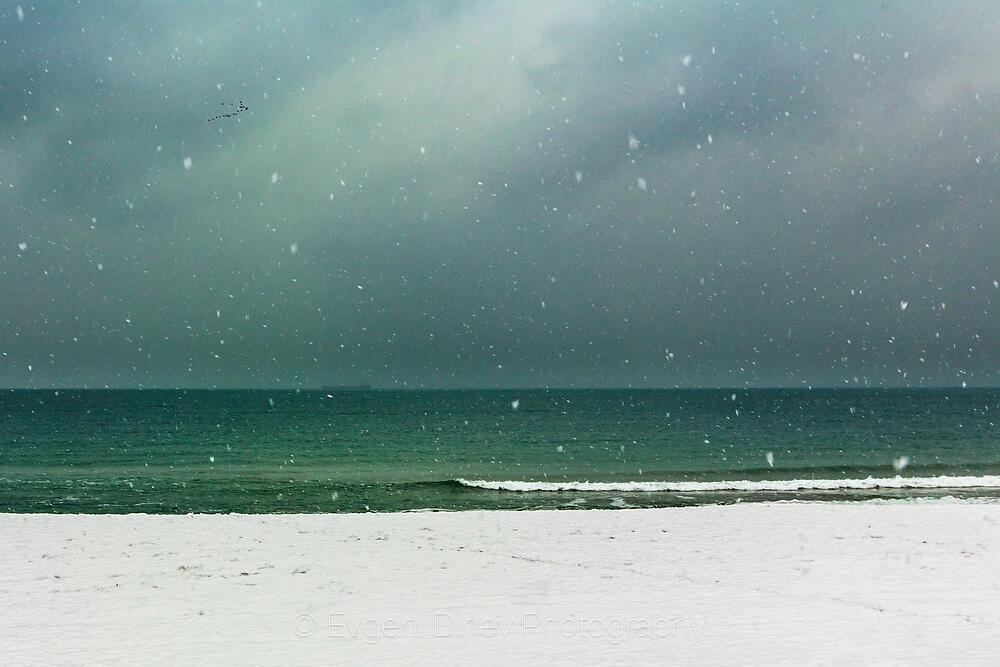 Белия плаж
