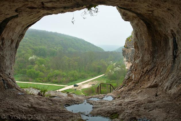 Поглед от скалните ниши на Баджалията