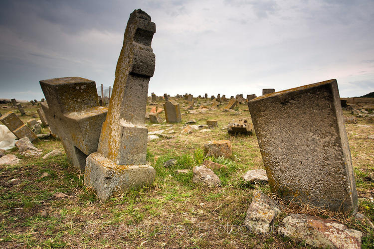 Malka Polyana, graveyard