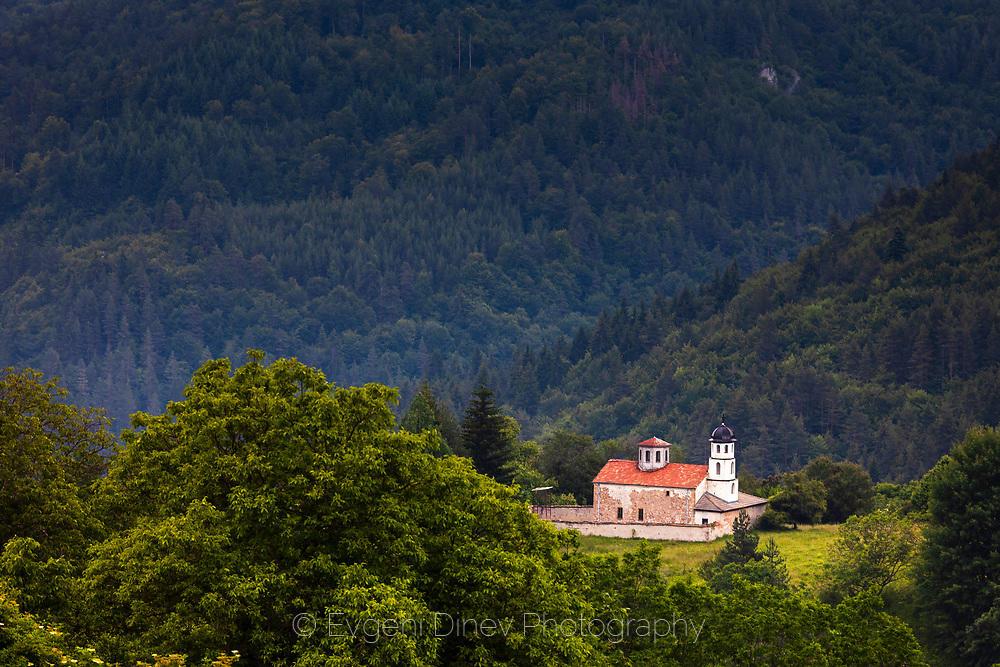 Село Чокманово и неговата църква