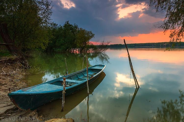 Лодка на Дунава