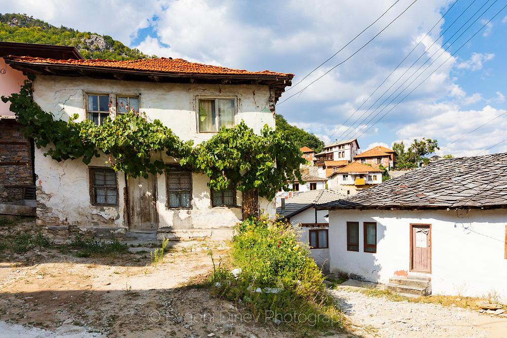 Стари къщи в село Делчево