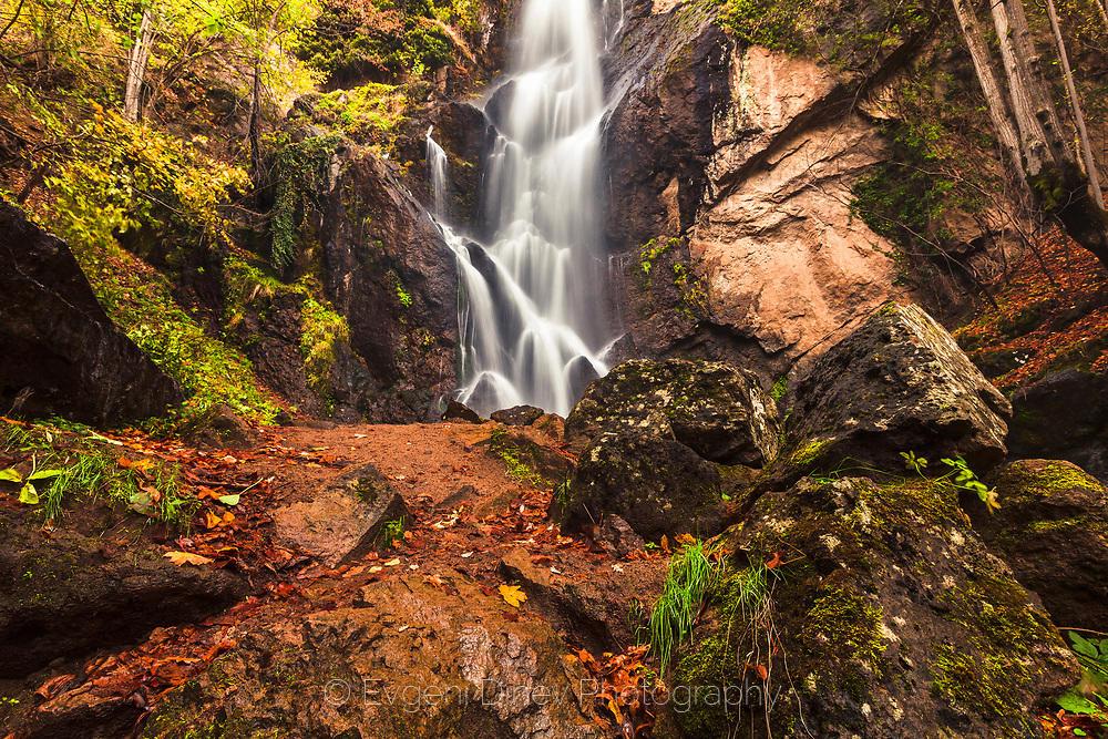 Девински водопад