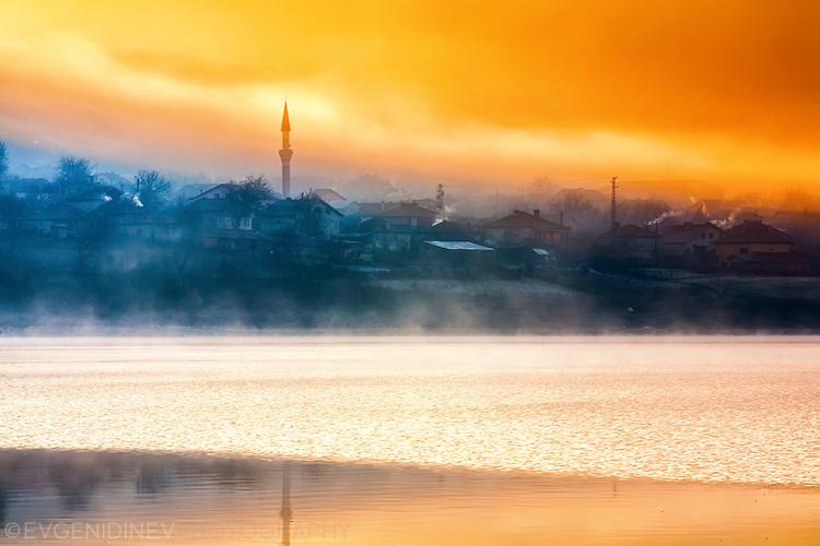 Село Добромир по изгрев