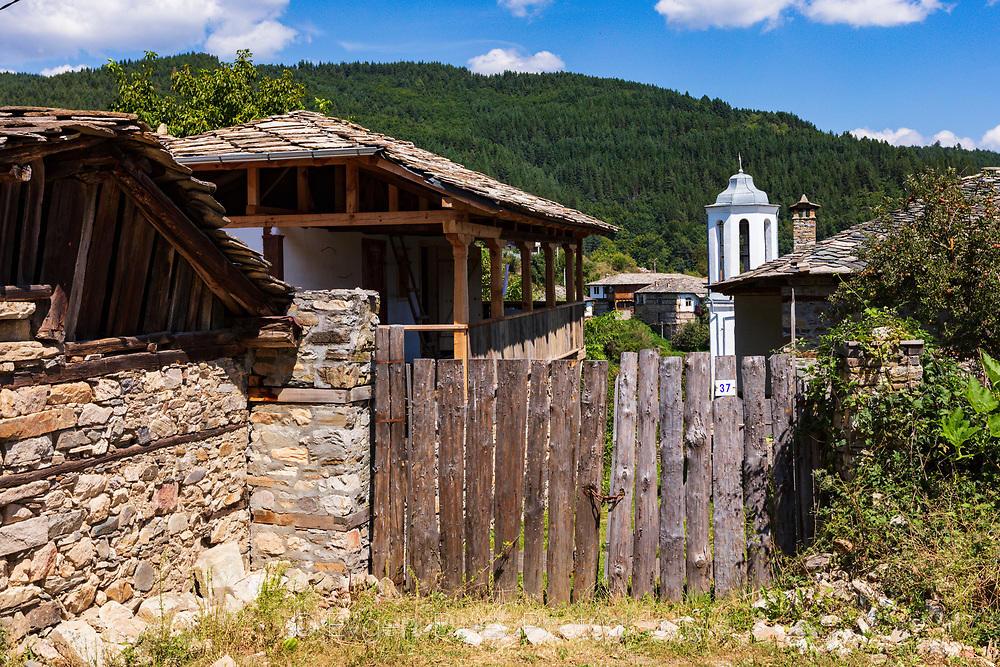 Камбанария на църква в село Долен