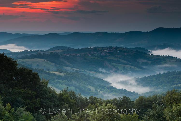 Парчета мъгла в доловете на Източен Балкан