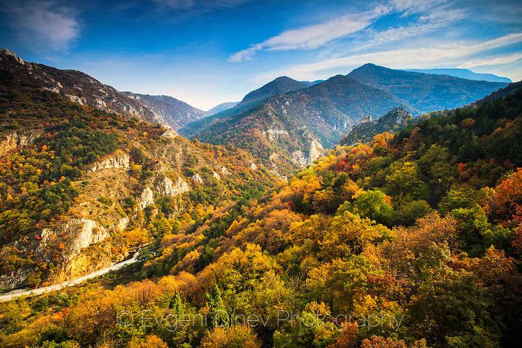 Асенова крепост през есента