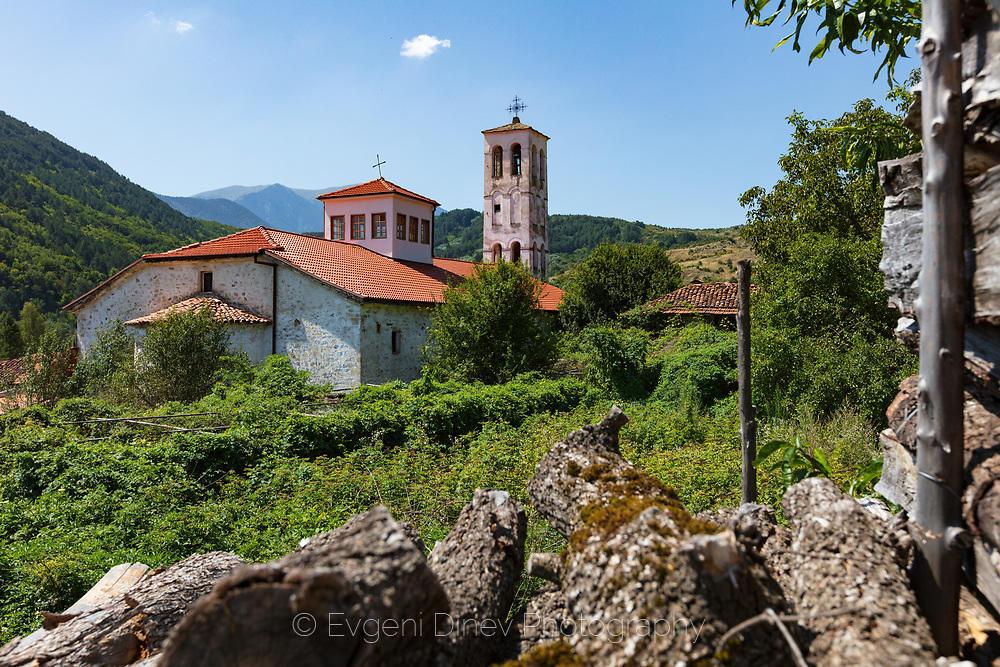 Църква в село Гайтаниново