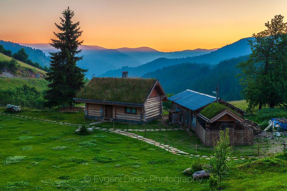 Еко къща в Родопите
