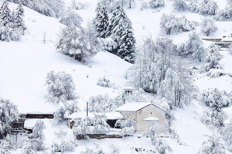 Църквата в Гела през зимата