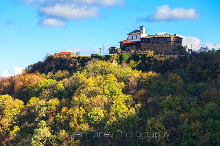 Гложенския манастир в ранна есен
