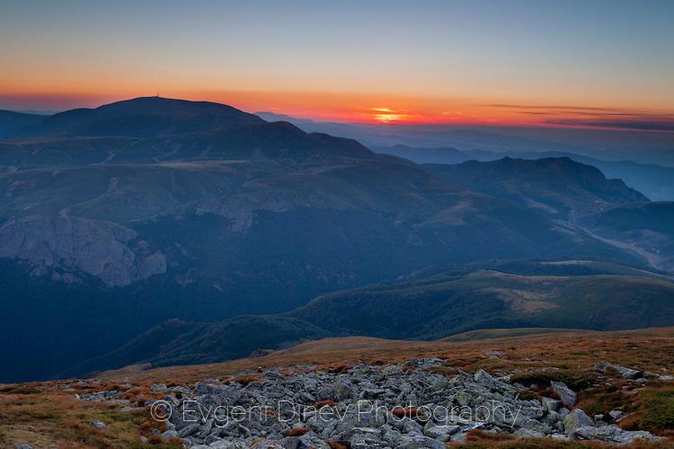 Изглед към Ботев от връх Триглав