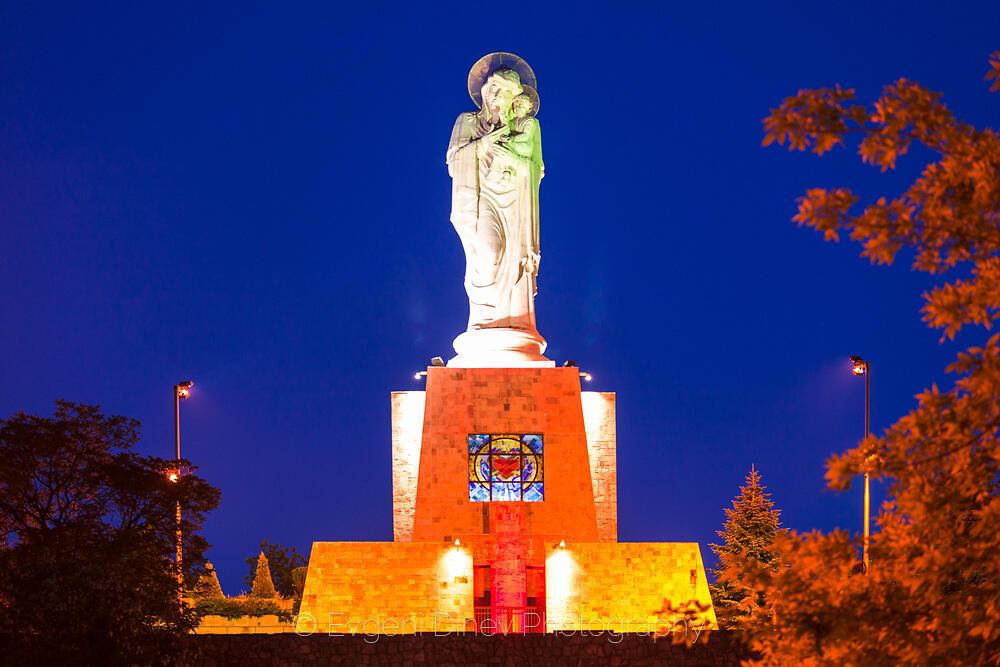 Най-високата статуя на Богородица