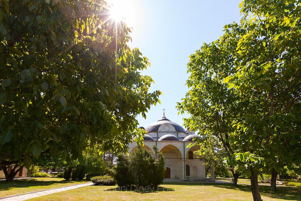 Църквата в Узунджаво