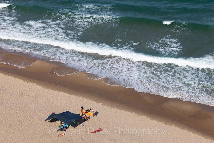 Нудисти на плажа