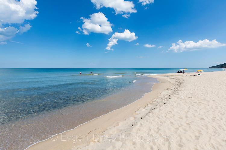 Белият пясък на Иракли