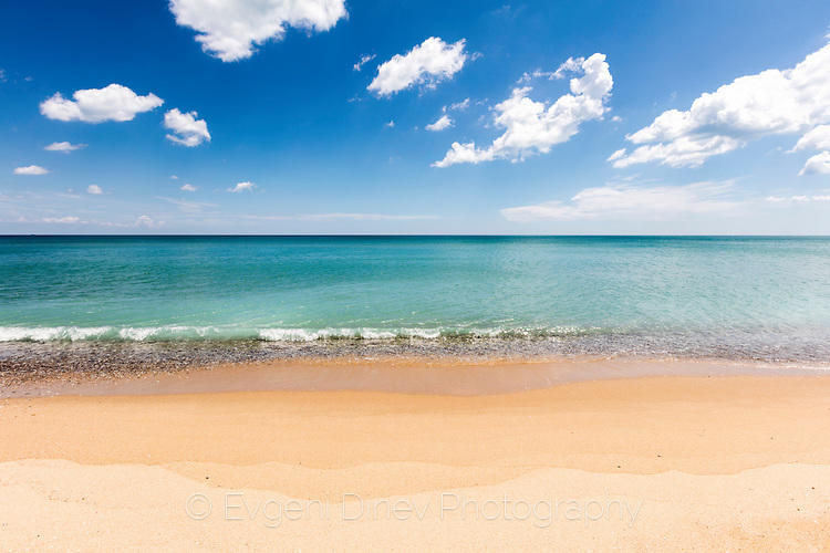 Бряг и море на Карадере