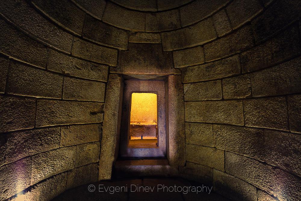 Вътре в гробницата Голяма Косматка
