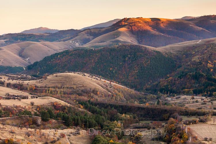 Средна Гора по залез