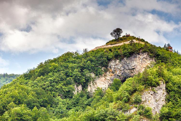Хълм с крепост Калето до село Кошница