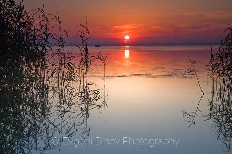 Залез на Бургаското езеро