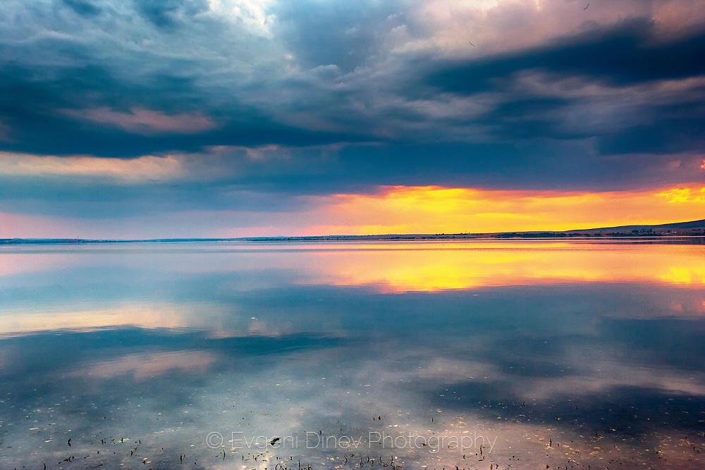 Мандренско езеро