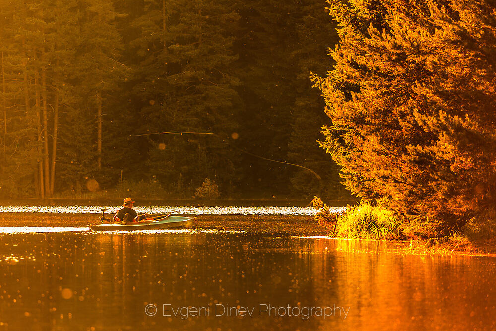 Златното езеро и рибаря