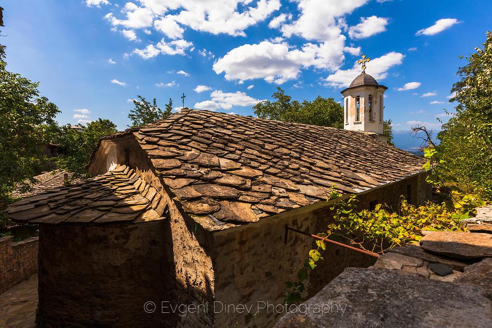 Камбанария на църква в Лещен