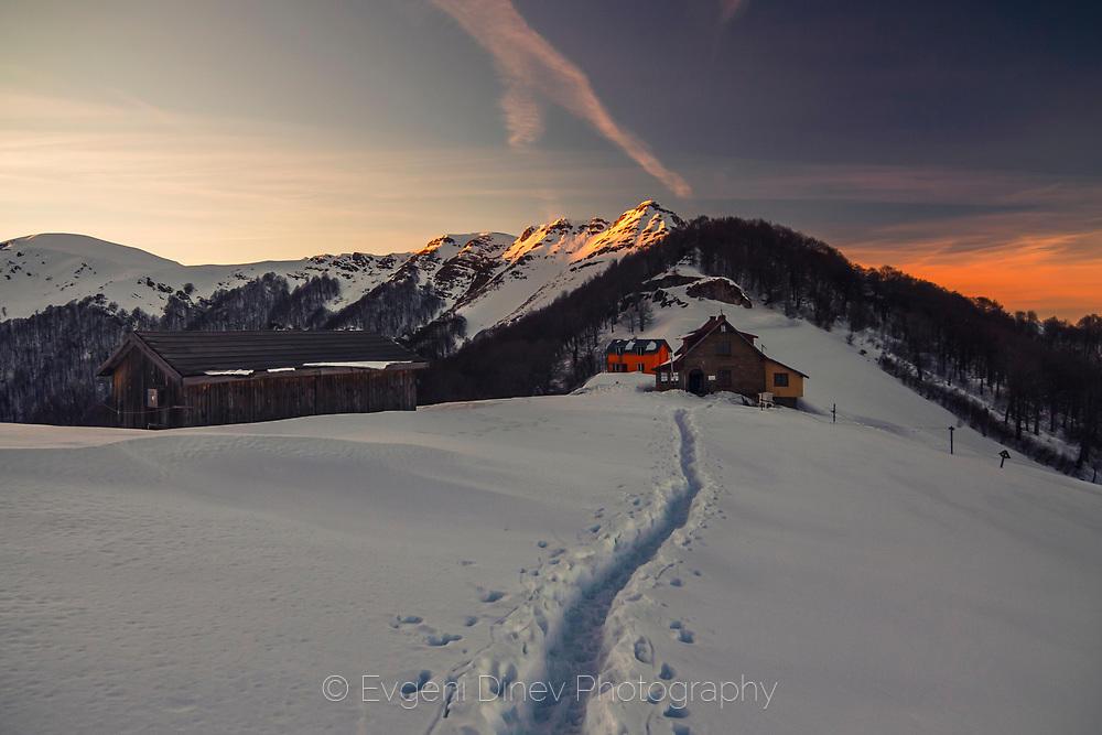 Хижа Мазалат през зимата